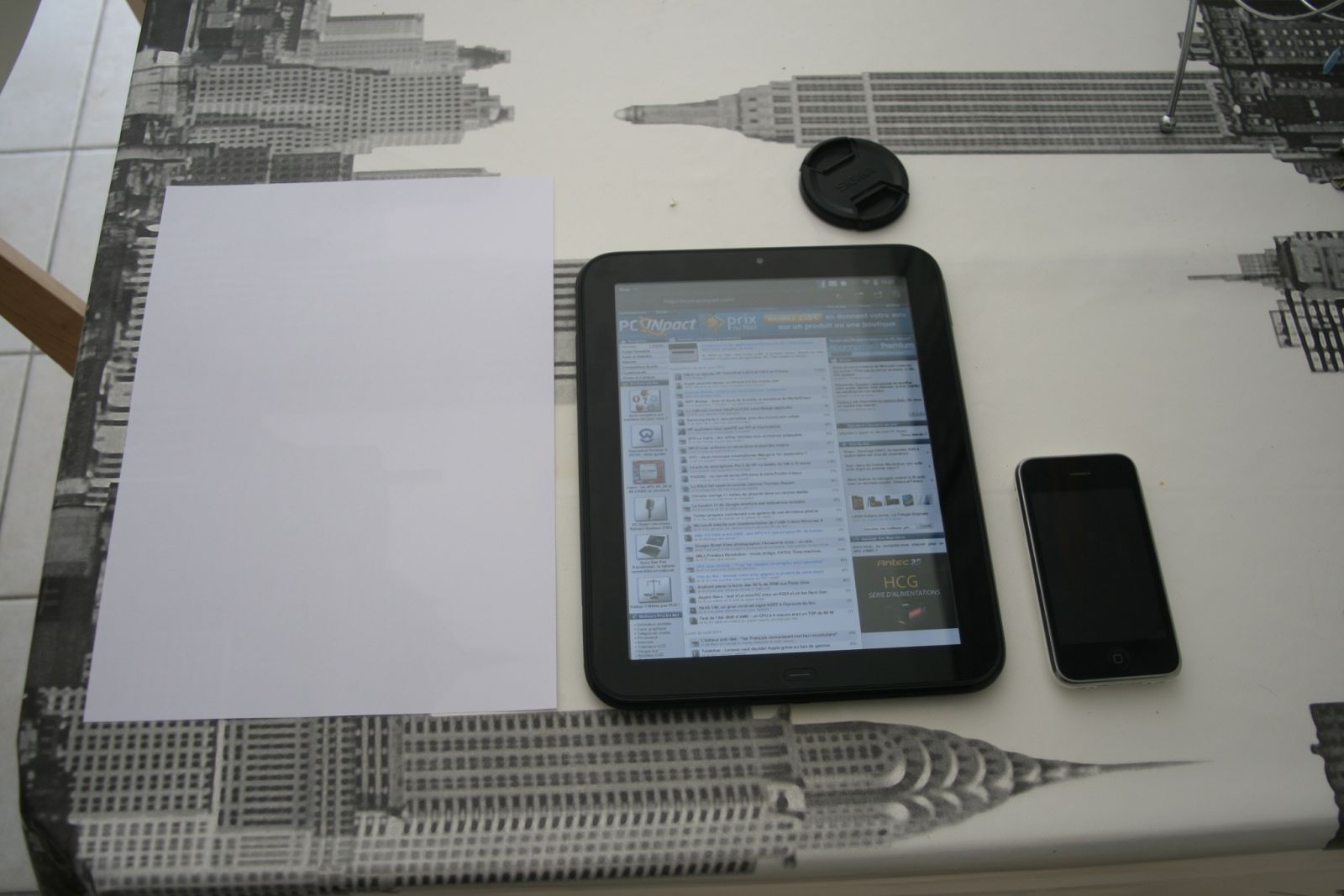 Touchpad / iPhone / Feuille A4