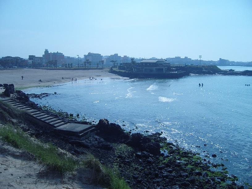 Une plage de l'île Jeju