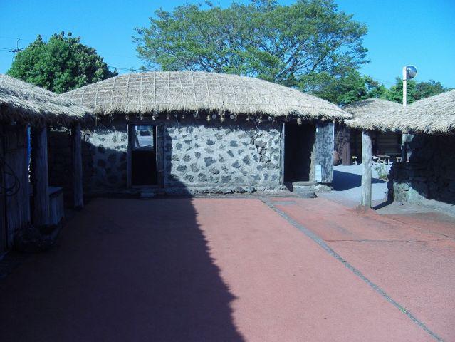 Village typique de l'île Jeju