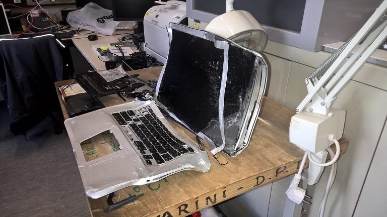 macbook pro tombé
