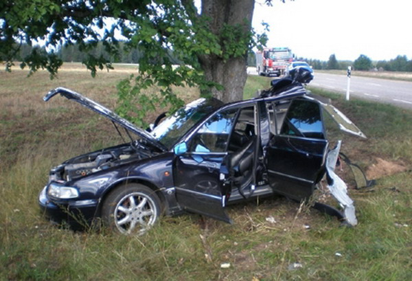 20 audia8crash1